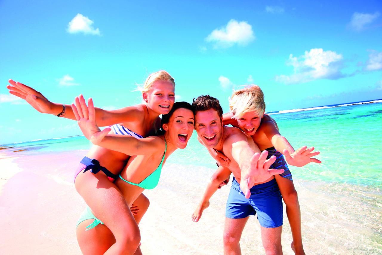 Фото молоденькая на пляжу