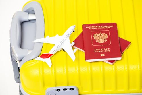 10 вещей в чемодане, которые выдают российского туриста