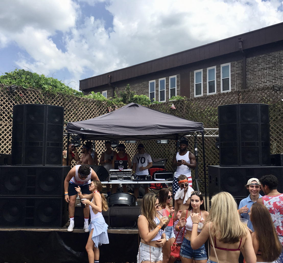 2)	JPC Entertainment has raised the standard of event sound in Tallahassee with a BASSBOSS sound system featuring SSP218 subwoofers and AT312 loudspeakers.