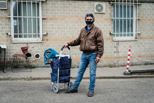 Opvang en toegang tot zorg tijdens COVID-19: onmenselijk om mensen op straat te laten staan zonder een waardige en duurzame oplossing