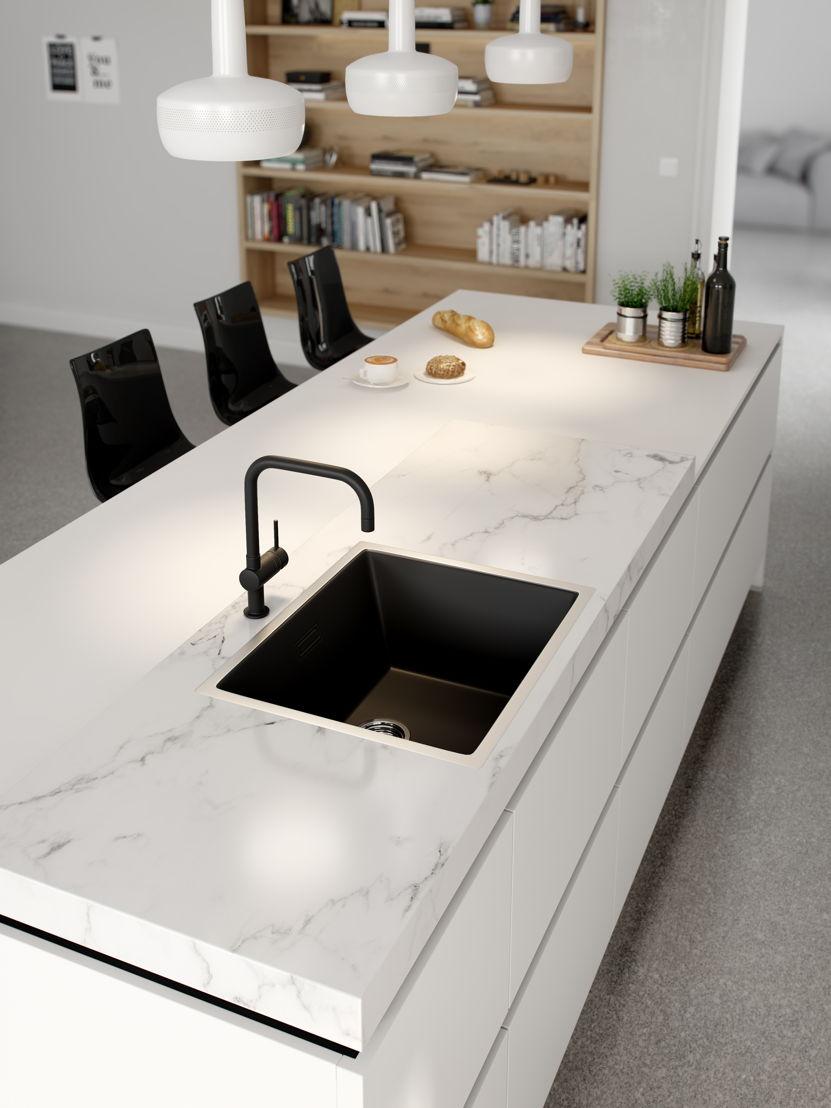 Ilot : le marbre revient en force (cuisine 903) ©èggo