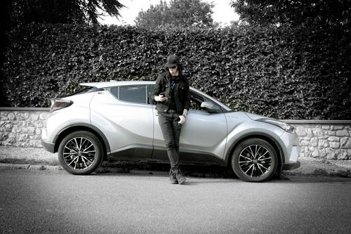 Kid Noize op pad met Toyota C-HR en live op de gala-avond van het autosalon