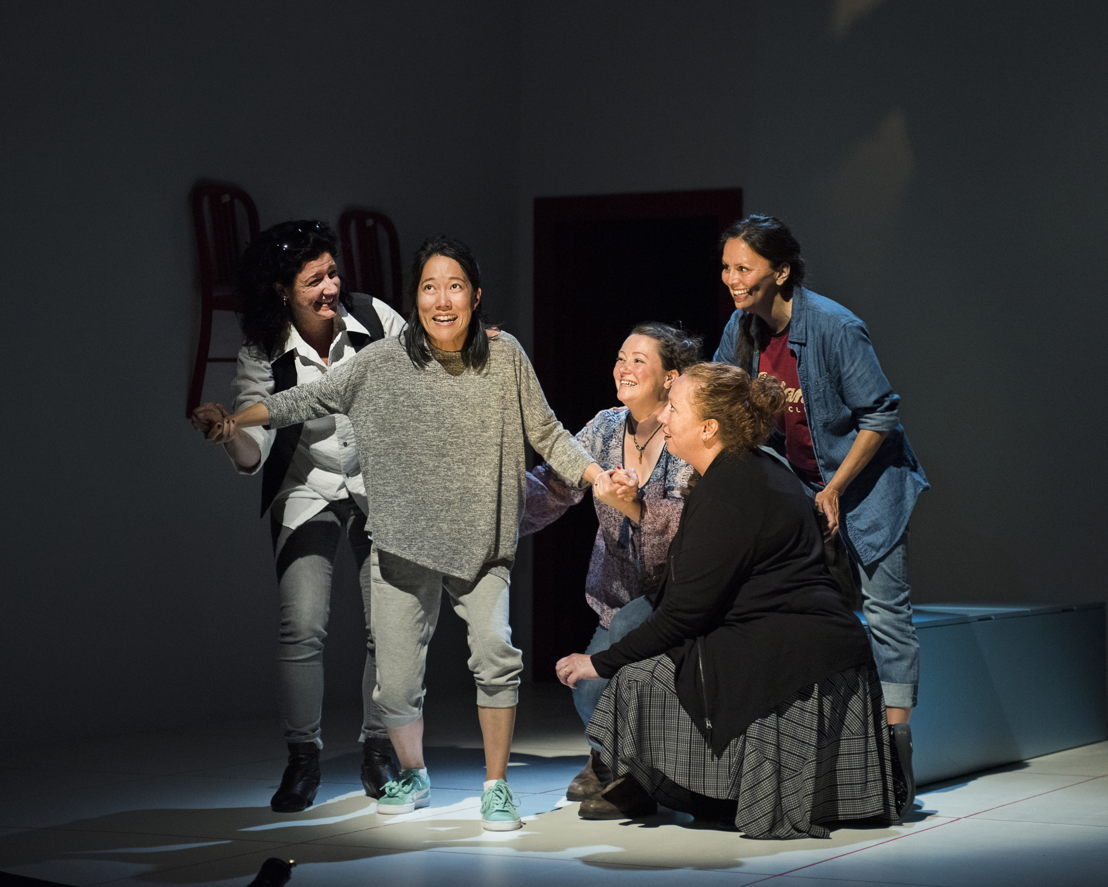 Sarah Donald, Yumi Ogawa, Jennifer Paterson, Trish Cooper, and Lisa C. Ravensbergen star in Mom's the Word / Photos by Emily Cooper