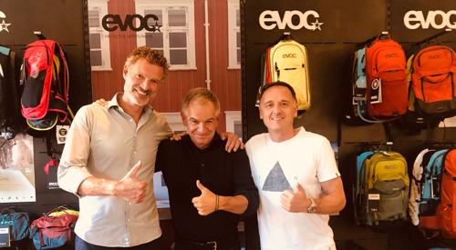 Das Münchner Unternehmen EVOC übernimmt den Schweizer Fahrrad-Transporttaschen-Hersteller Tranzbag