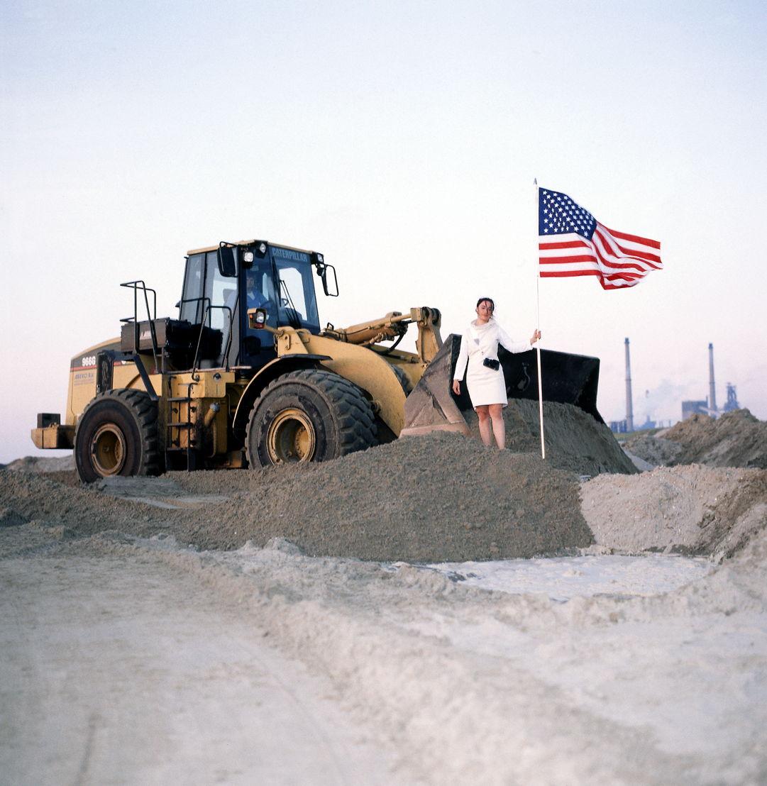 Aleksandra Mir 'First Woman on the Moon', Wijk aan Zee (NL), 1999