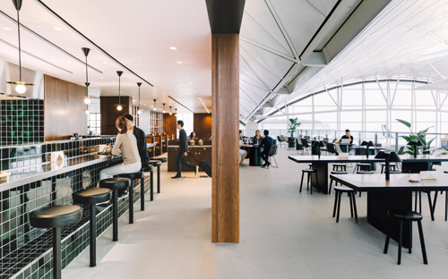 The Deck: Cathay Pacific eröffnet neue Lounge in Hongkong