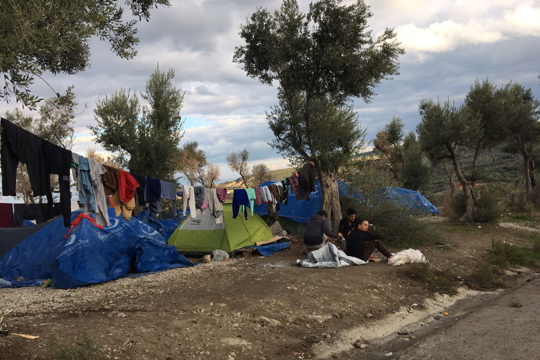 As the temperatures get lower every day, people have no choice than to live in summer tents in Moria camp or in the olive grove nearby. Credit: MSF