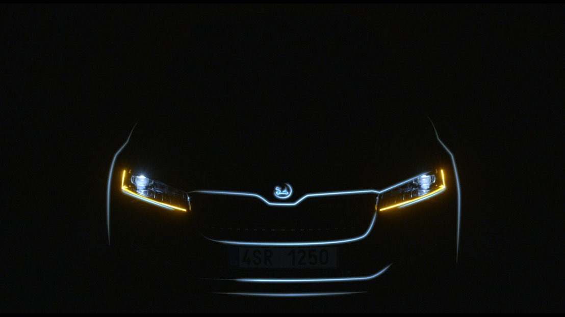 ŠKODA offers first impression of its upgraded SUPERB model range in teaser video
