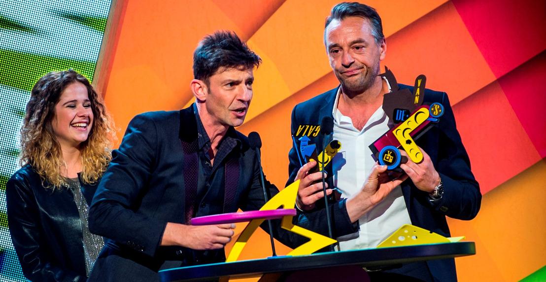 Koen Wauters ruïneert trofee Tom Waes op Gala van de Gouden K's