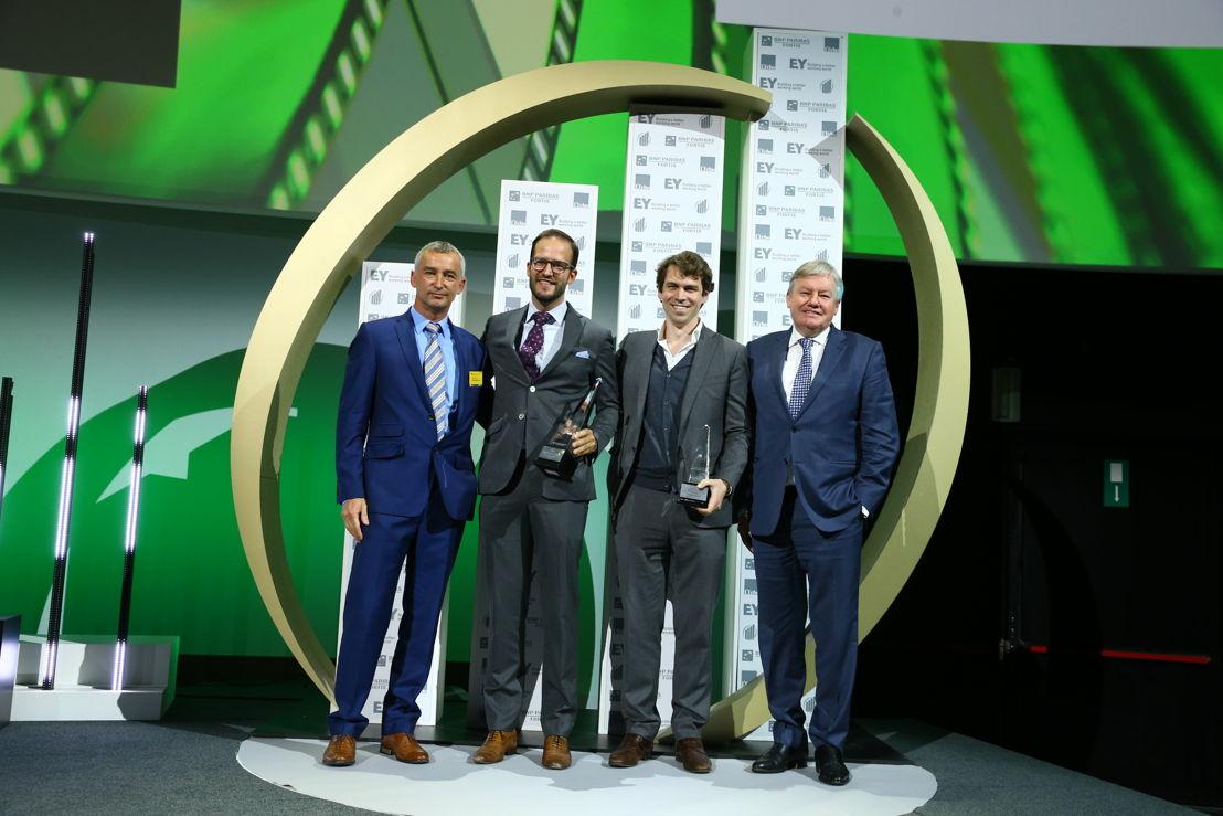 Sébastien Deletaille, CEO Real Impact Analytics, receives the award 'L'Entreprise Prometteuse de l'Année' 2016 of Minister Jean-Claude Marcourt (c)Frederic Blaise