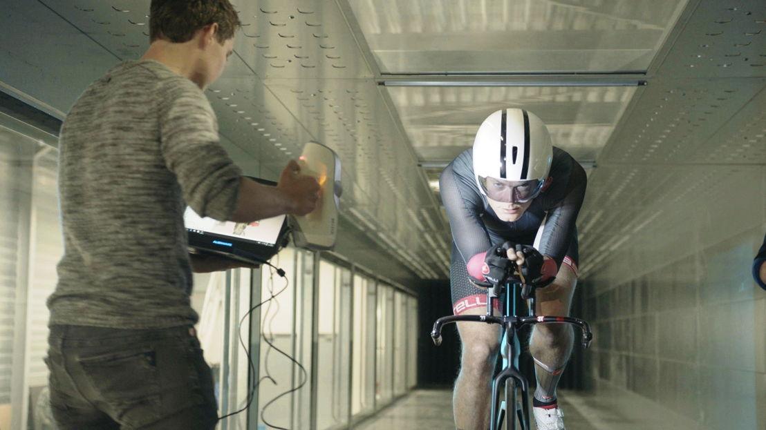 Baanwielrennen: Maarten test zijn aerodynamica - (c) De Mensen