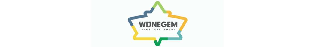 BV's lopen verticale (!) modeshow in Wijnegem