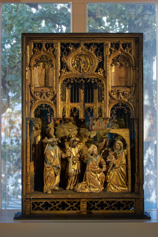 Mechelen, Adoration of the shepherds, alabaster, partially gilded<br/>Photo © Dirk Pauwels