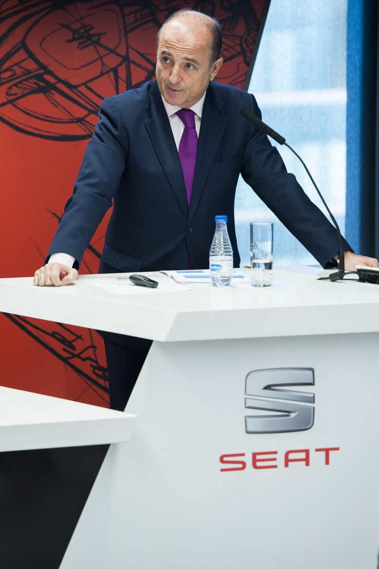 """Miguel Sebastián, former Spanish minister for Industry, Tourism and Commerce during his talk at the """"Encuentros SEAT"""""""
