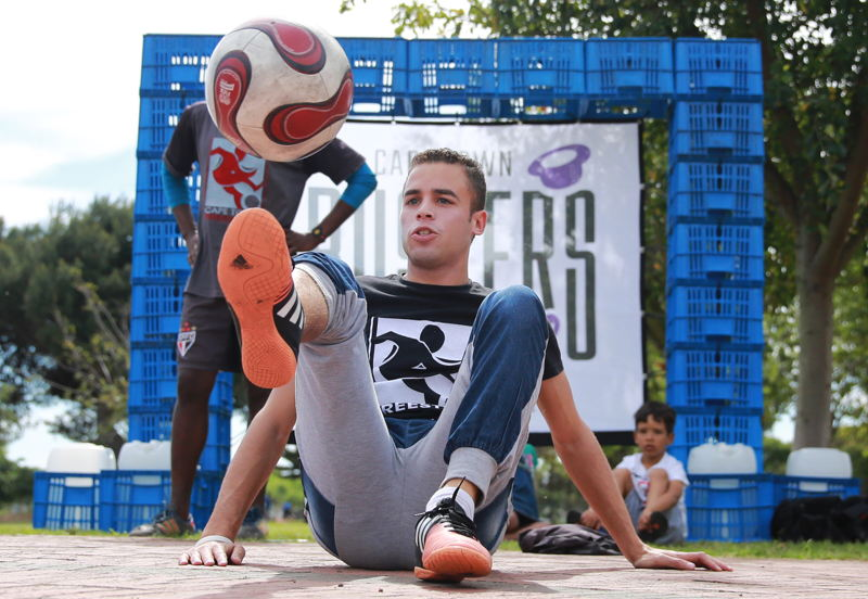 Soccer Freestylers at a sneak preview of the Cape Town Buskers Festival, Nantes Park, Athlone by Nardus Engelbrecht