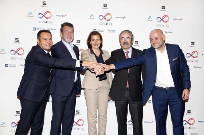 Aigües de Barcelona, CaixaBank, Naturgy, SEAT en Telefónica slaan de handen in elkaar