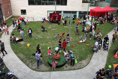 Huis van het Kind blaast 5 kaarsjes uit op groots gezinsfeest