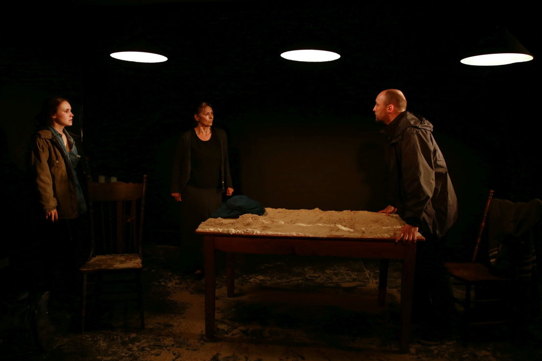 Sarah Potter, Andrew Laubscher and Emma Kotze in The Edge of the Light. Image by Nardus Engelbrecht