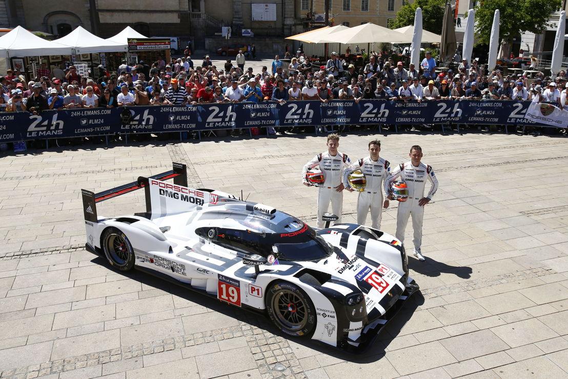 Porsche 919 Hybrid (19), Porsche Team: (l-r) Nico Huelkenberg, Earl Bamber, Nick Tandy