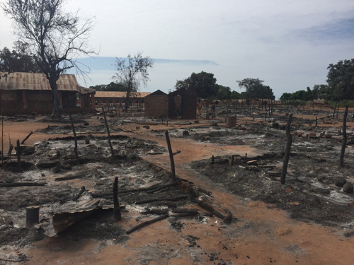 Central African Republic: 5,000 still sheltering in MSF-supported hospital in Batangafo