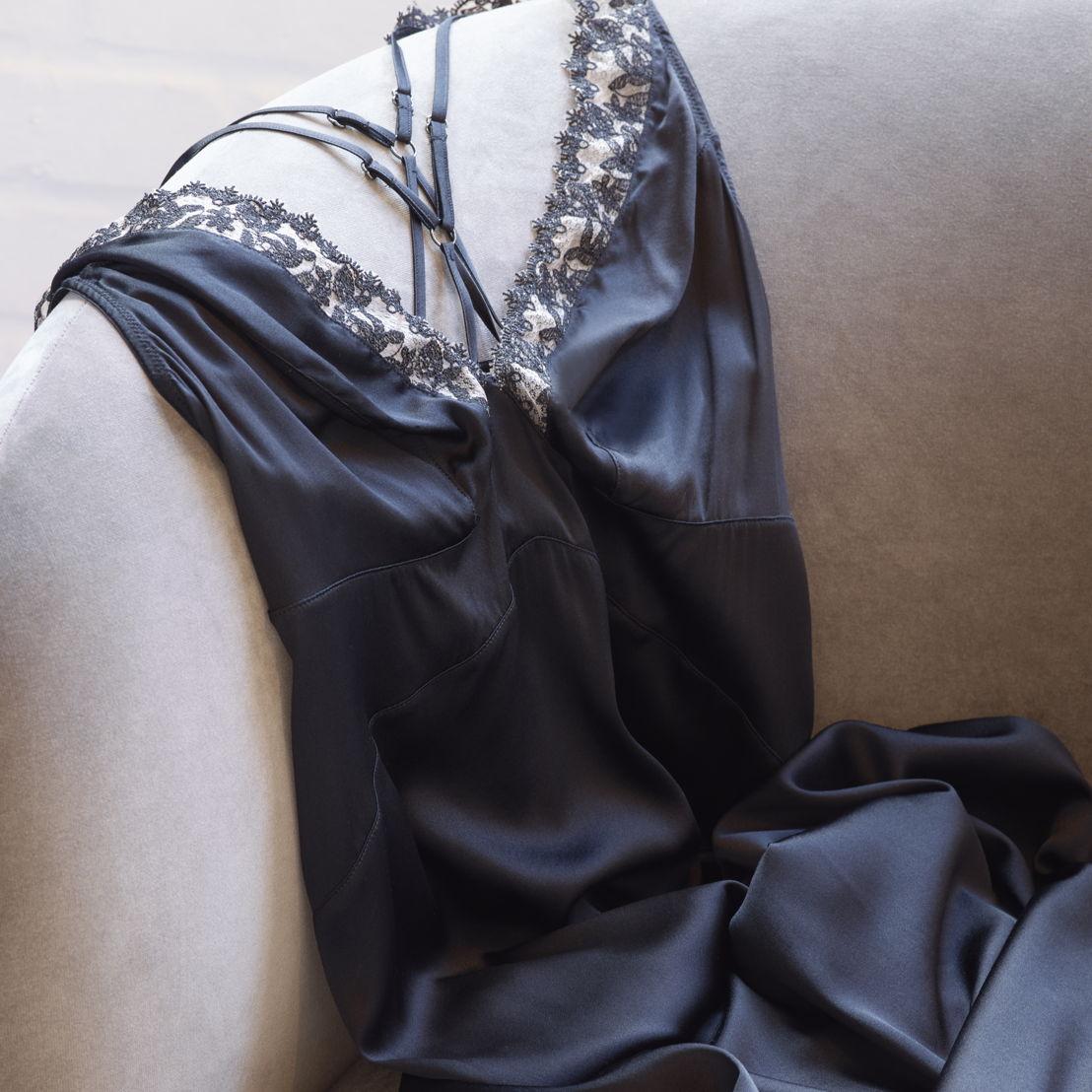Soie Belle Black dress