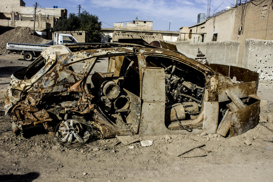 A car that was used for a suicide attack during the offensives in Al Raqqa city. This car might still be a threat for the residents who are going back home. Al Mishlab, east of Raqqa. Credit: Diala Ghassan/MSF