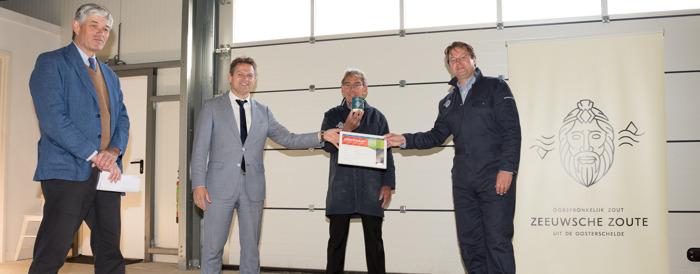 Zeeuwsche Zoute neemt Zeker Zeeuws® Streekproduct certificaat in ontvangst