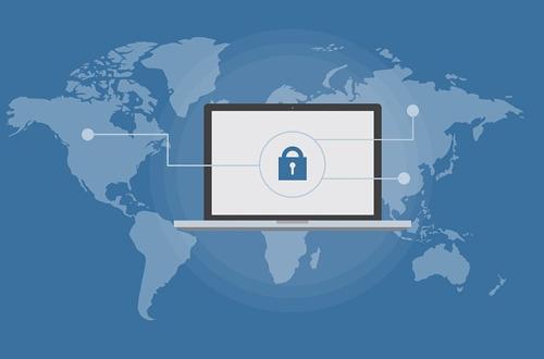 Vier tips voor een cyberveilige zomer