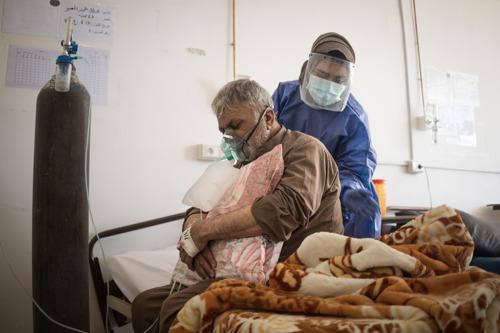 Noord-Syrië overweldigd door ernstigste COVID-19-uitbraak tot nu toe
