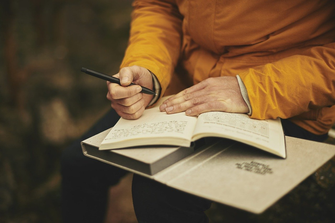 La espada y la pluma: el arte de dominar la escritura