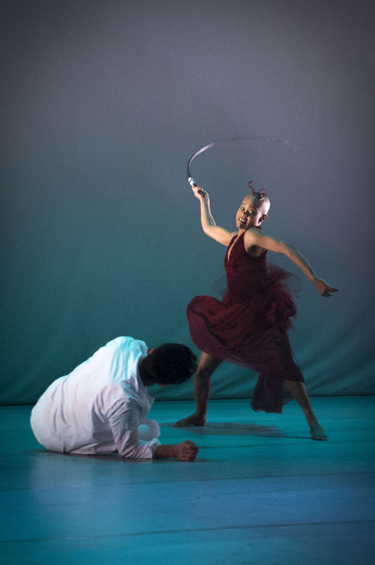 A scene from Dada Masilo's Giselle, pic Jan Potgieter (14)