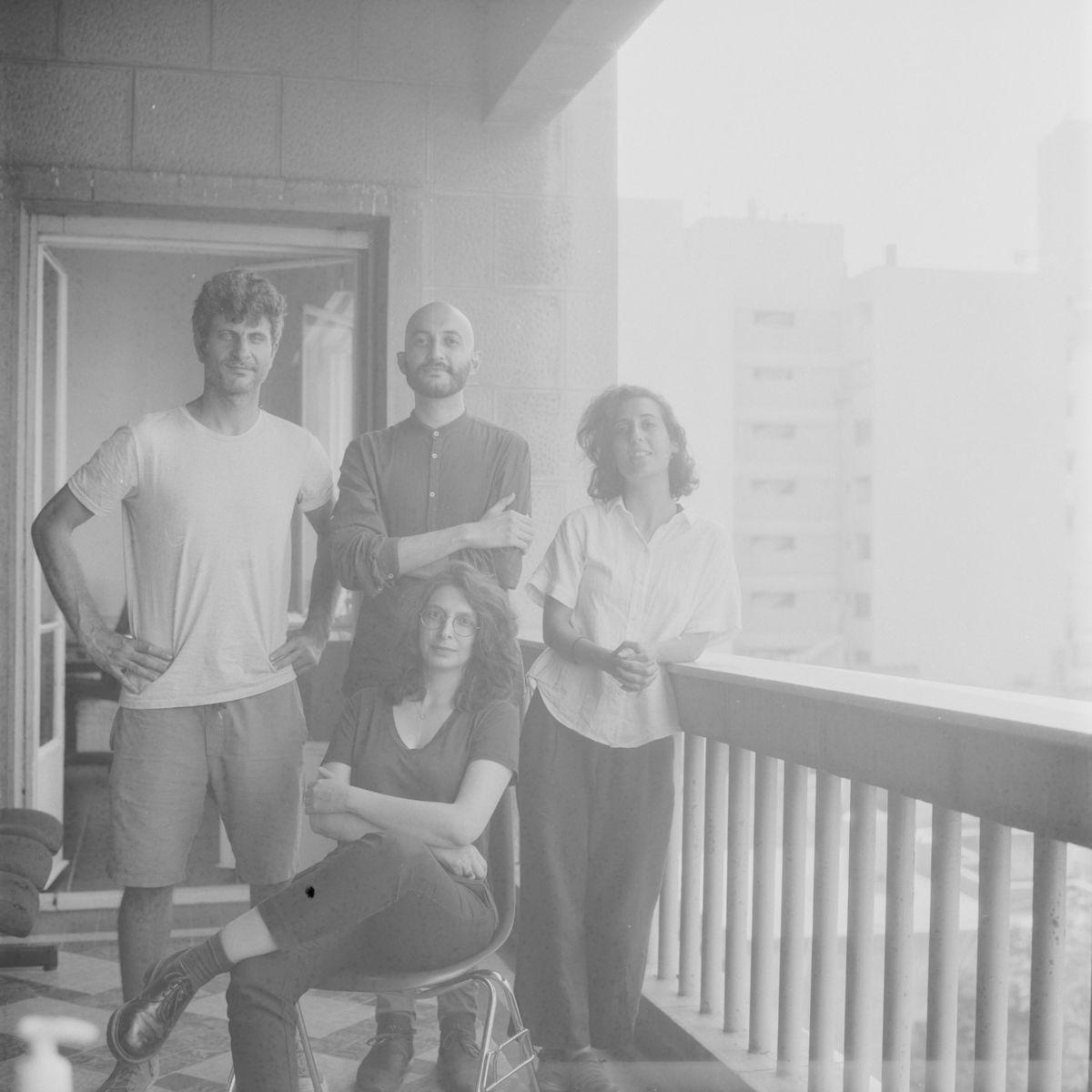 من اليسار إلى اليمين:پولغرّة، وعمر ذوابه، وموريل ن. قهوجي، وسينثيا زيدان أبو حسن.الصورة بعدسة پول غرّة والتقطتها هبة الحاج فيلدر.