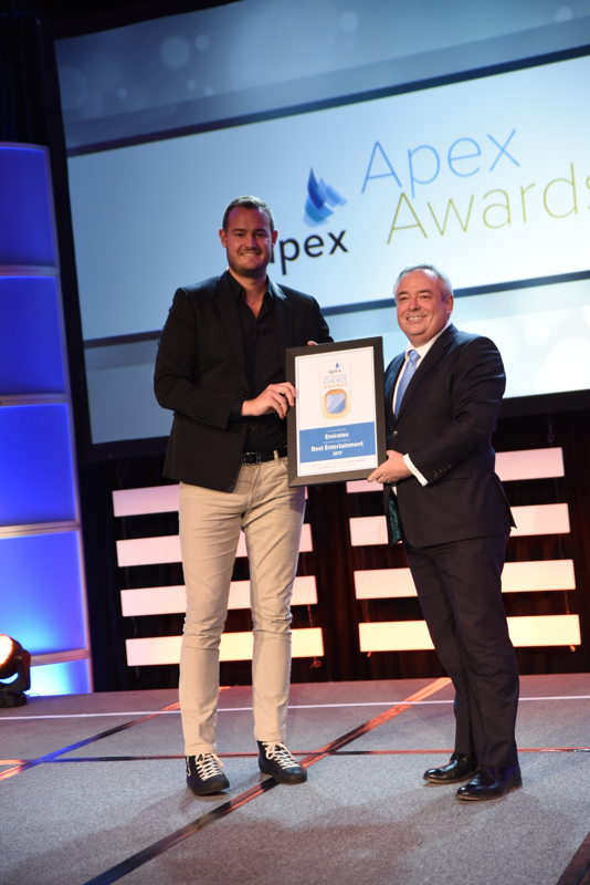 Patrick Brannelly – Divisional Vice-President for Customer Experience (Inflight Entertainment & Connectivity)  at Emirates, receives the Passenger Choice award for Best Entertainment at the 2017 APEX Passenger Choice Awards
