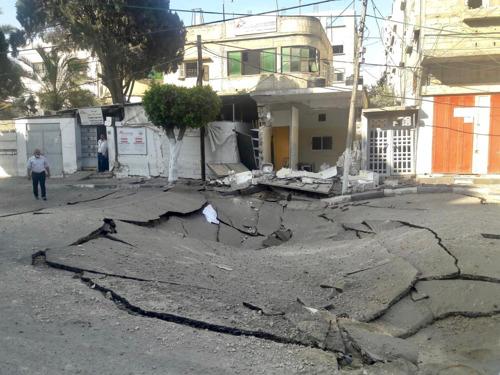 """Gaza: los """"injustificables e intolerables"""" ataques aéreos israelíes que dañaron la clínica de MSF mataron a decenas de civiles"""