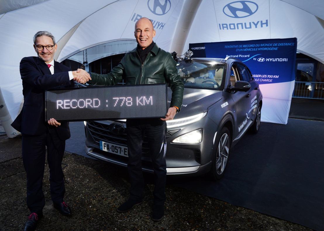 L'aeronauta Bertrand Piccard ha battuto il record mondiale di distanza per un veicolo alimentato a idrogeno a bordo della Hyundai NEXO