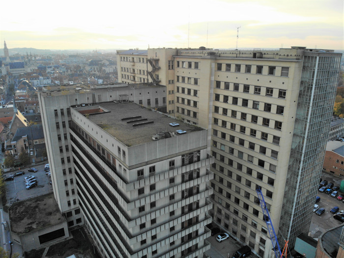Sint-Pietersziekenhuis wuift laatste personeelsleden uit