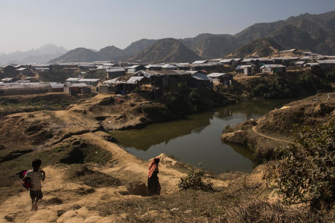 Médicos Sin Fronteras alerta de que la falta de acceso a servicios básicos agrava el limbo de los rohingyas más de un año después del éxodo