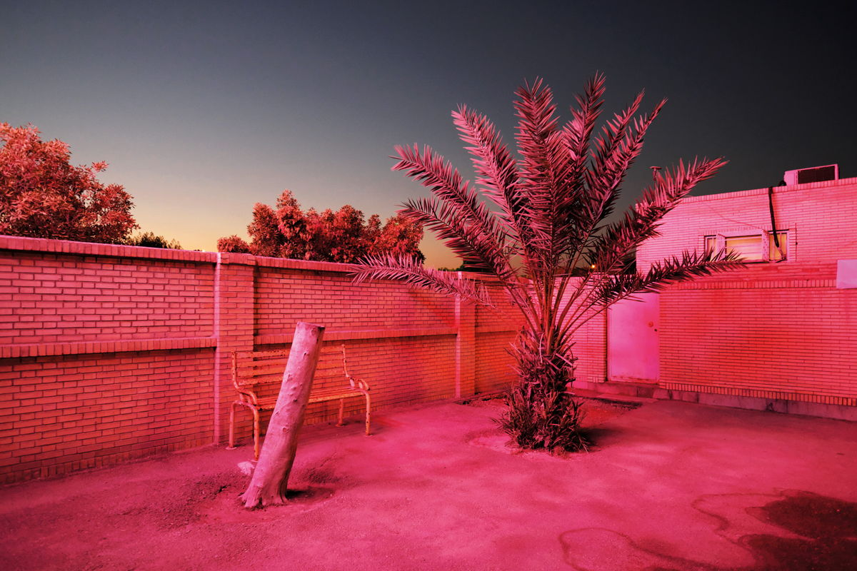 From the series Paradise City, 2018  © Sébastien Cuvelier