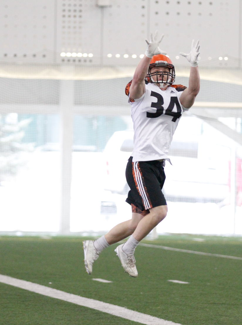 Brennan Van Nistelrooy making a play on the ball during Combine. CFL/Anthony Houle