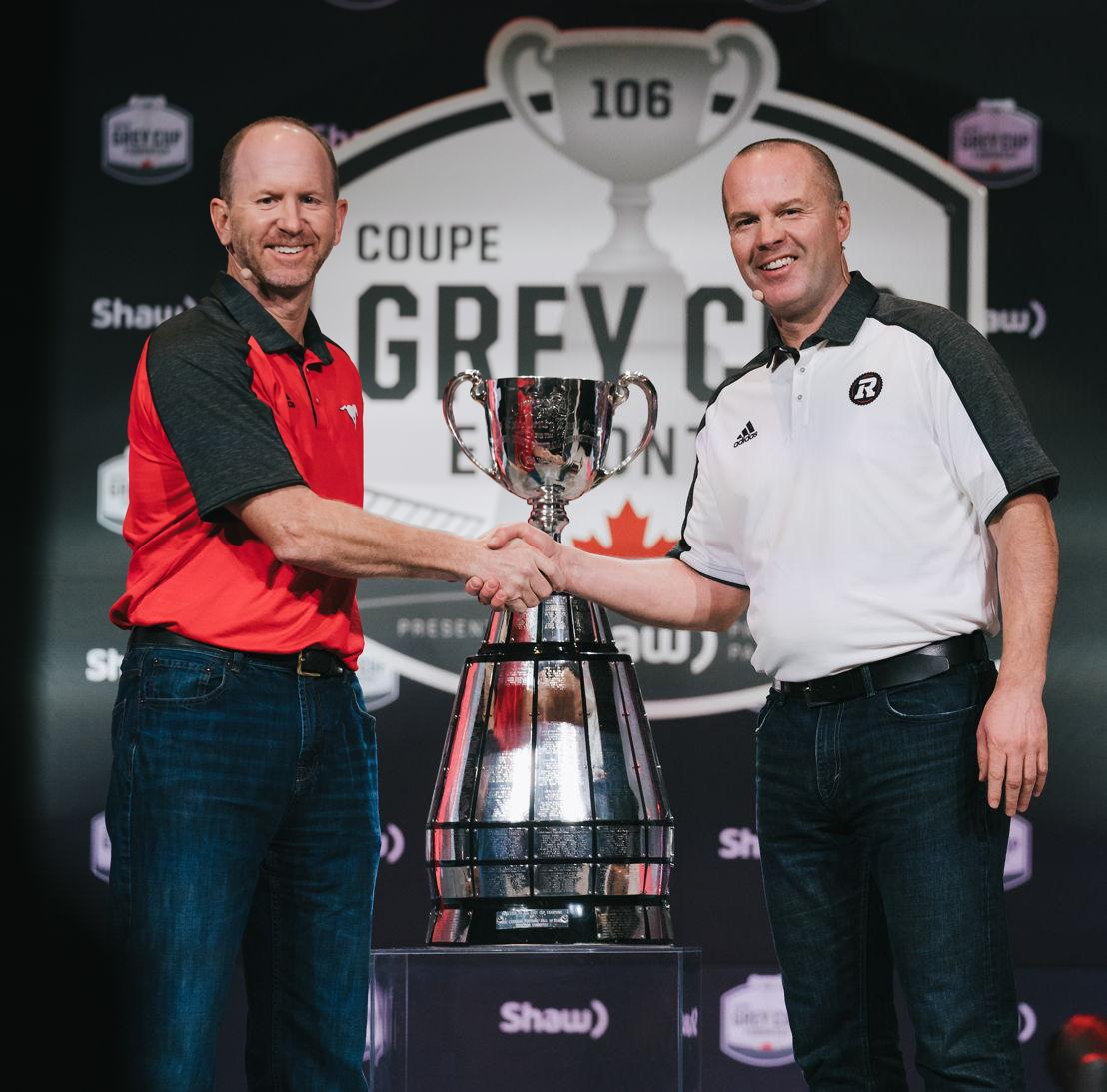 Dave Dickenson (à gauche) et Rick Campbell (à droite), lors de la conférence de presse de la Coupe Grey. Crédits photo : Johany Jutras/LCF.ca