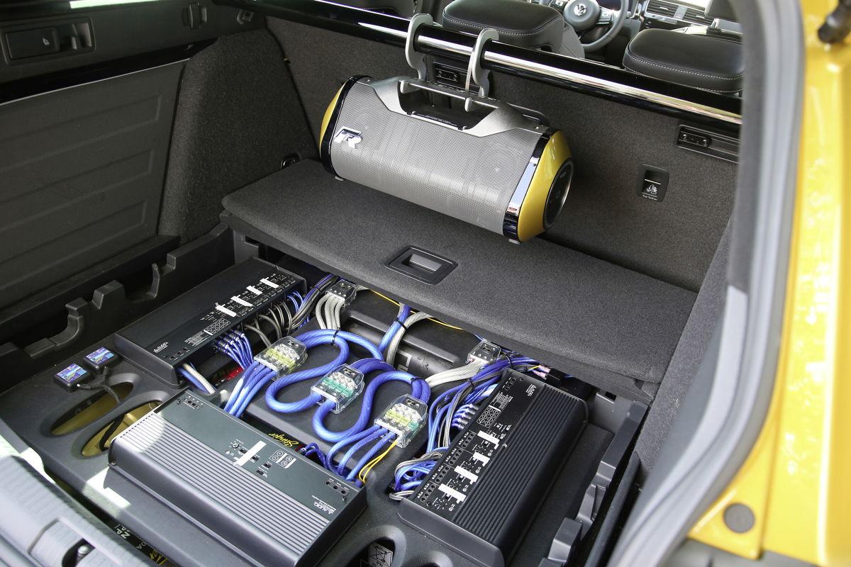 Sistema de Audio Monster en el Golf R Estate