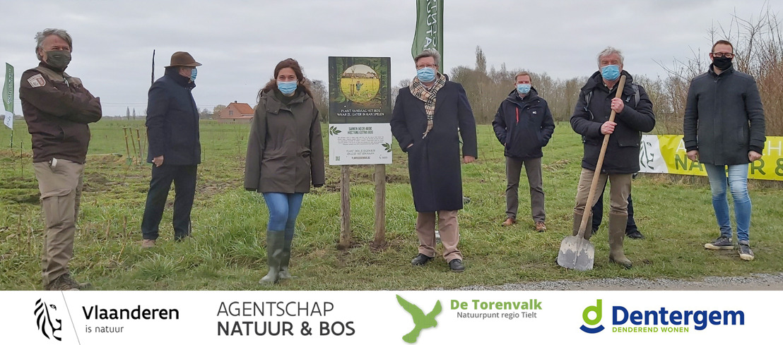 Minister Demir sluit boomplantseizoen af in Dentergem tijdens de Internationale Dag van het Bos: meer dan 4 hectare extra bos in de Meikensbossen
