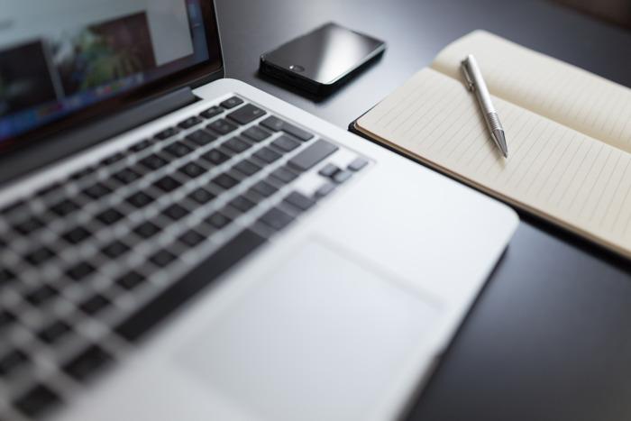 COVID-19 dwingt 4 op 10 freelancers om uurtarieven te verlagen