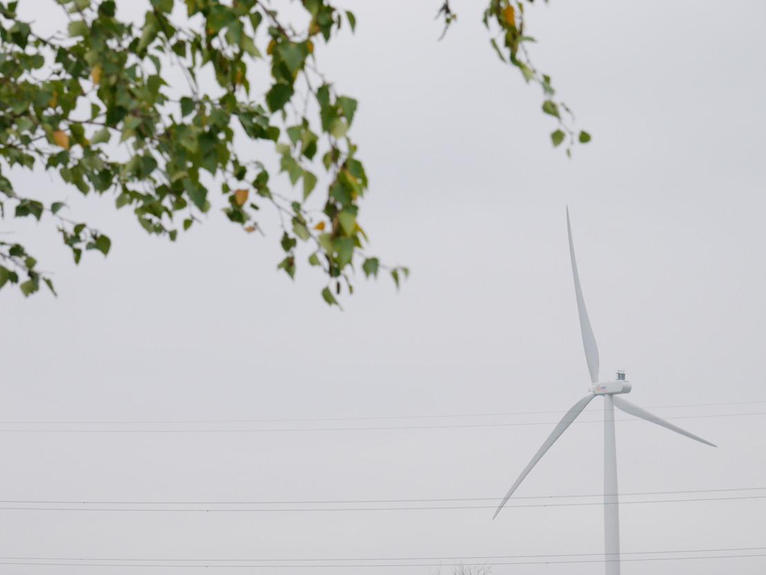 EDF Luminus huldigt zijn eerste windturbine in op een industriële site in Wallonië