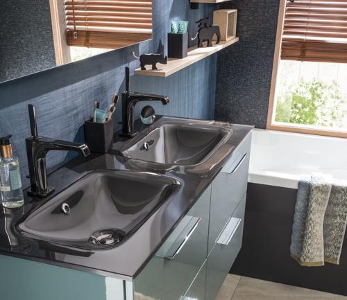 En 2019, le plan vasque se colore et se décline avec de nouveaux matériaux