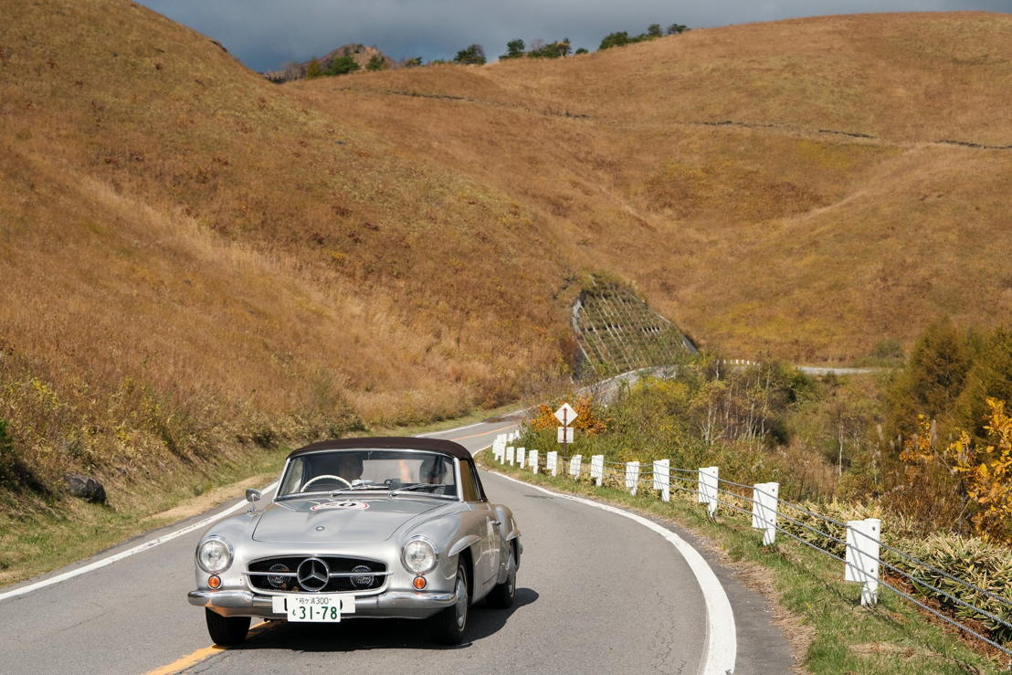 Car model: 1962 Mercedes Benz 190SL <br/>Location: Venus Line Road