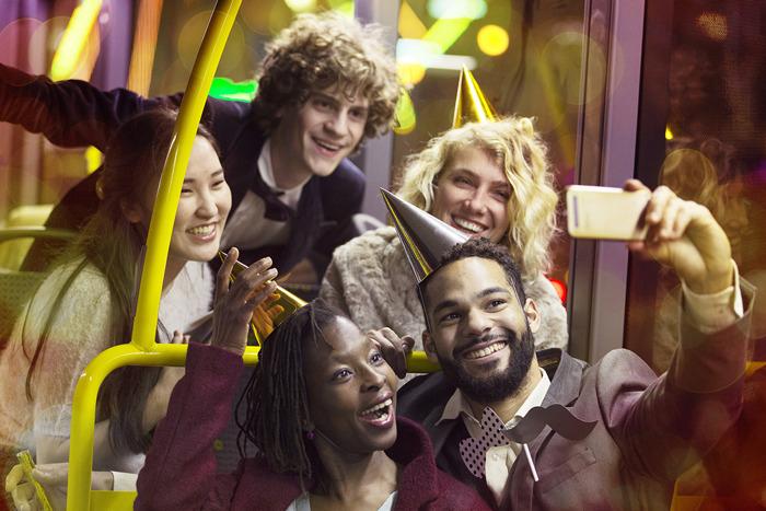 Met de Feestbussen veilig het nieuwe jaar in