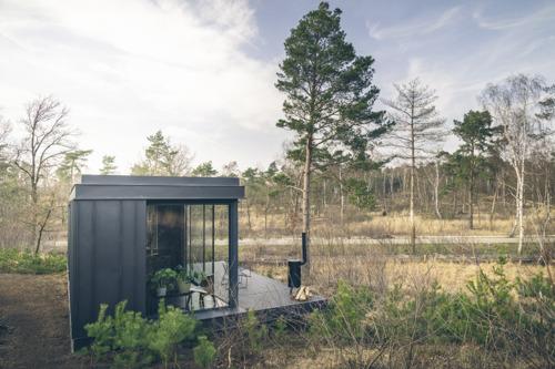 Roompot verwacht eerste gasten in nieuwe Cuber woningen op 5 juli