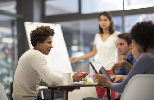 (UGent) Het aandeel van werk in geluk is drie keer zo groot bij zelfstandigen als bij ambtenaren