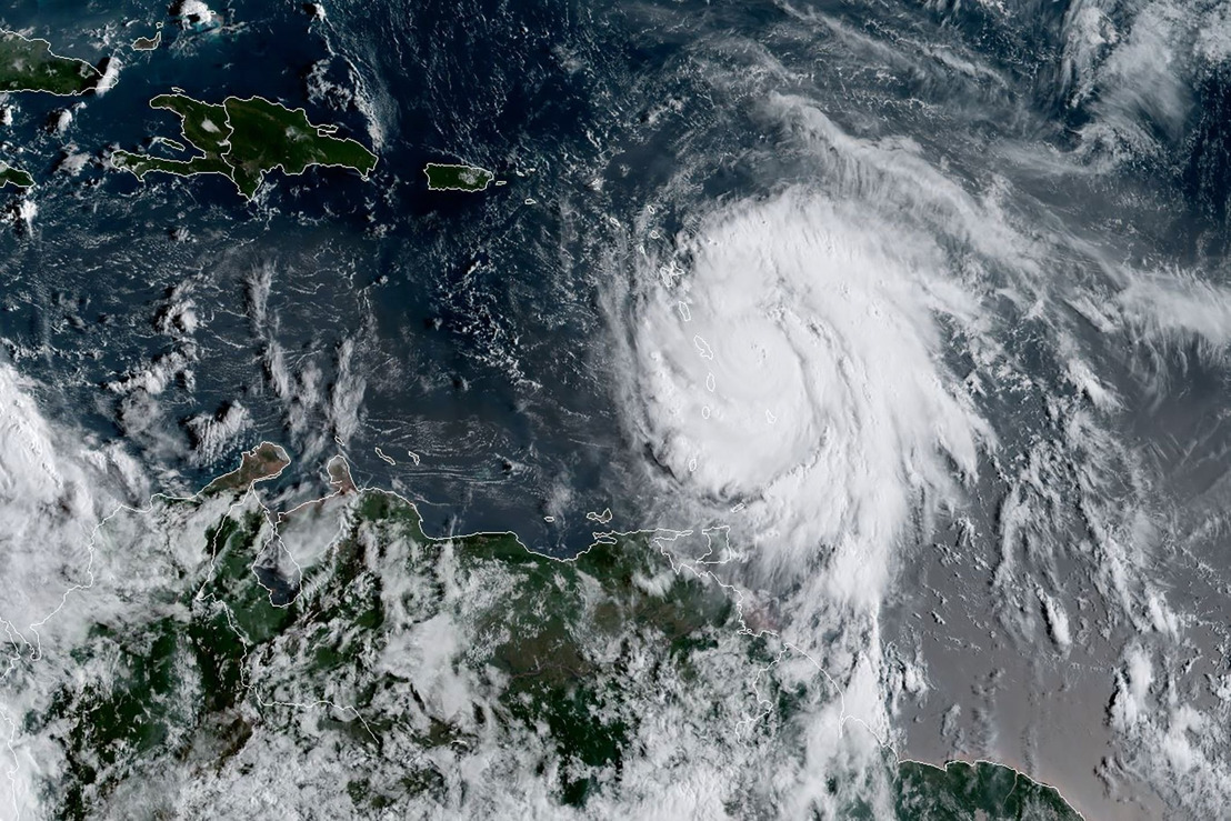 Live: Hurricane Maria Destroying Dominica Issued OECS Commission 1:40am Tue 19th Sep